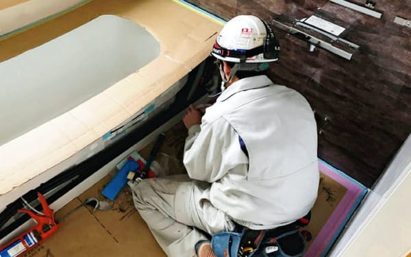 浴室機器は部品の多くを中国に依存している(リフォーム向けの浴槽の設置工事)