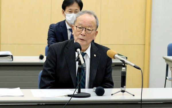 中小企業への金融支援策を発表する群馬県太田市の清水市長(16日、同市)