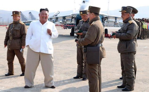 最近の金正恩氏。12日に報じられた=朝鮮中央通信・朝鮮通信