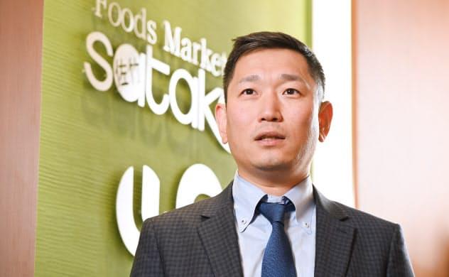 うめはら・かずよし 1975年大阪府吹田市生まれ。94年佐竹食品入社。精肉部門主任や店長などを経て、2007年社長。20年3月期の売上高は約650億円で過去最高を更新した。フランチャイズ契約で「業務スーパー」やフィットネスクラブも展開。