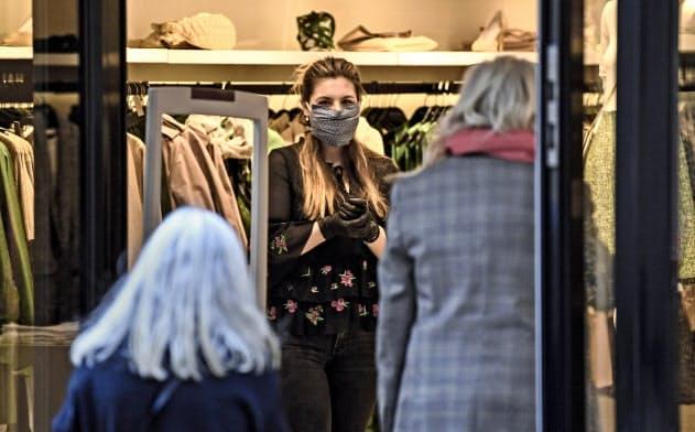 ドイツでは20日、一部店舗での営業再開が認められた=AP