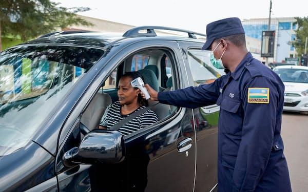 ルワンダでは新型コロナウイルス対策として、いち早くロックダウン(都市封鎖)の措置を講じた=ロイター