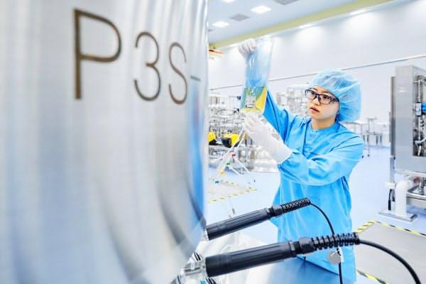 サムスンバイオロジクスは、バイオ医薬品の生産能力で世界一の規模を誇る(韓国仁川市の工場)=同社提供
