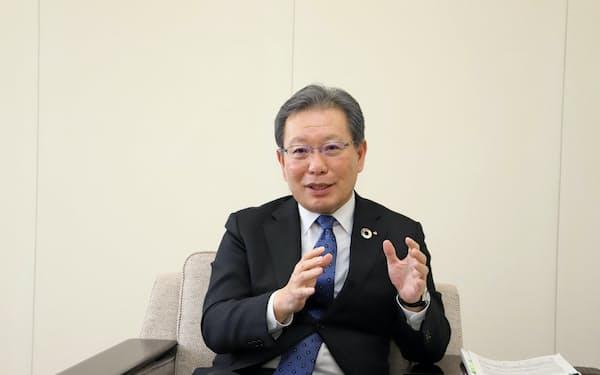 秋田銀行の新谷明弘頭取