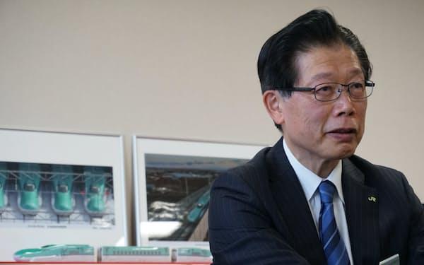インタビューに応じたJR北海道の島田修社長(22日、札幌市内)