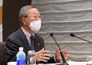 企業の採用活動について萩生田文科相とテレビ会議する、経団連の中西会長