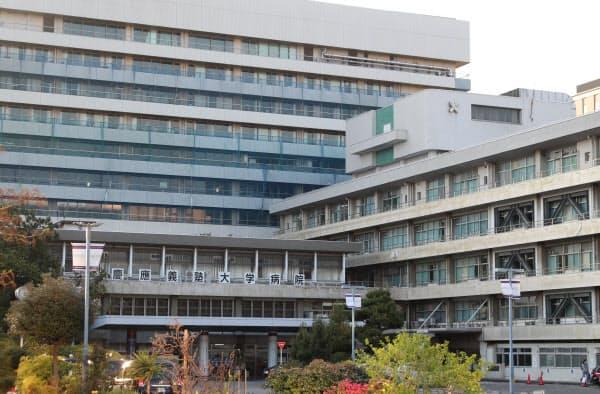 手術や入院前の患者にPCR検査をしたところ、67人のうち4人(約6%)が陽性となった(東京都新宿区の慶応大病院)
