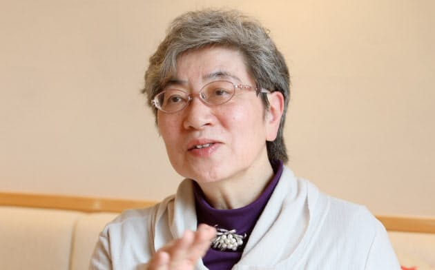あきやま・まさこ 1950年秋田県生まれ、聖路加看護大学卒。東京女子医科大学非常勤講師などを務める
