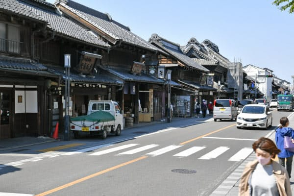 町歩きを楽しむ人が激減した「蔵造りの町並み」(25日午後、埼玉県川越市)