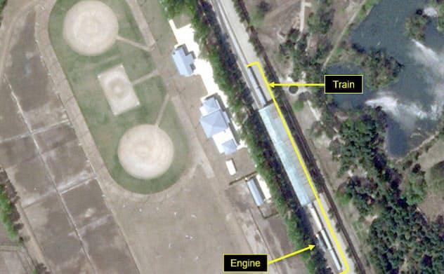 23日に撮影された金正恩朝鮮労働党委員長の特別列車とみられる列車が停車した北朝鮮・元山の専用駅の衛星写真(Planet Labs/38ノース提供・共同)
