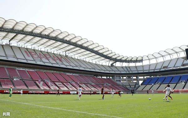 一般非公開で行われた鹿島と札幌の練習試合。生中継されて多くのファンを喜ばせた=共同