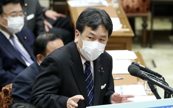 衆院予算委で質問する立憲民主党の枝野代表(28日)