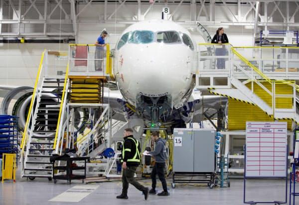 エアバスの引き渡し機数は落ち込んだ(カナダの同社工場)=ロイター