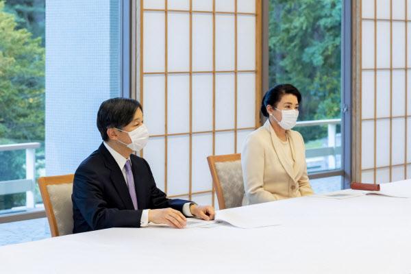 天皇陛下即位1年 新型コロナ、皇室活動にも影響: 日本経済新聞