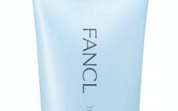 ファンケルの「整肌(ととのいはだ)クレンジング ジェル」。軽い力で伸びるよう設計した