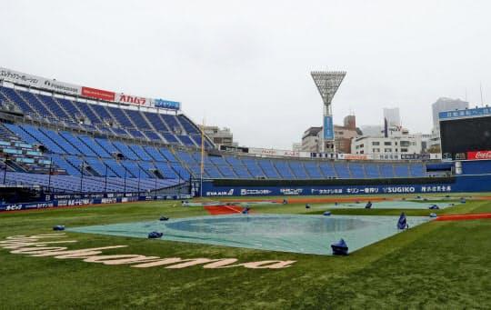 1982年の大洋―中日最終戦で横浜スタジアムは中日ファンの怒声に包まれた(写真は2020年3月)=共同