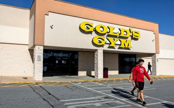 ゴールドジムは新型コロナの感染拡大で営業中止を迫られた(4月26日、米ジョージア州オーガスタ)=ロイター