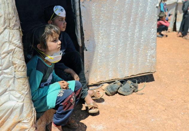 紛争で家を追われたシリアの子供=ロイター