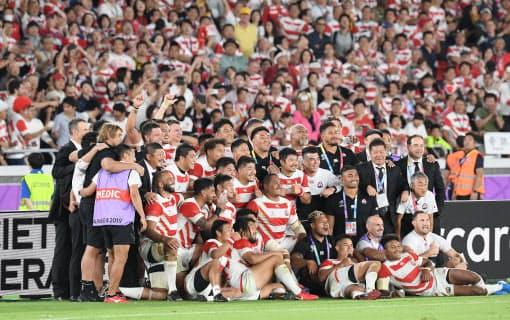 W杯で8強入りを果たした日本はラグビー界の階級の壁を崩した(2019年W杯のスコットランド戦)
