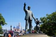 稼ぎ頭だったテーマパークの休業でディズニーの1~3月期の業績は低迷した(写真は米カリフォルニア州のディズニーランド)