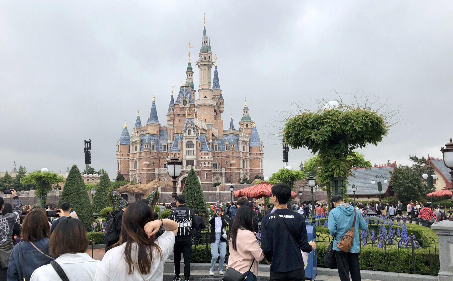 上海ディズニーは約3カ月半ぶりに全面再開する(上海市)