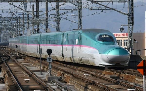 外出自粛で利用が大きく減った(東北新幹線の「はやぶさ」)