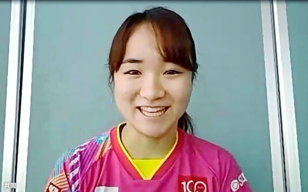 7日、オンラインで取材に応じる卓球女子の伊藤美誠=共同