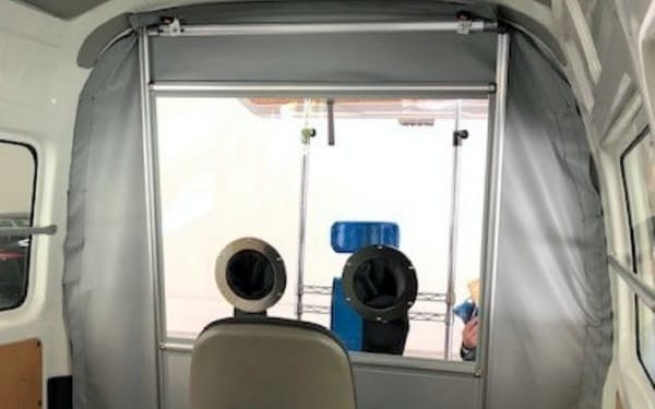 豊田合成が東京都医師会に提供したPCR検査のための車両