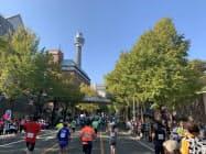 横浜の観光名所などを巡るコースなどが特徴(2019年)