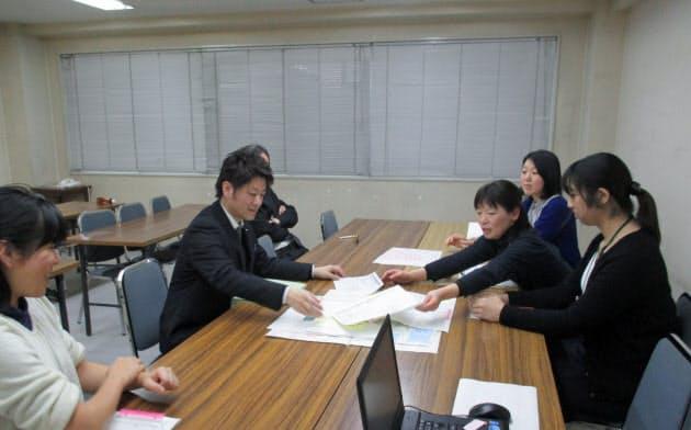大阪府四條畷市では、会議を通じ密なコミュニケーションを図る