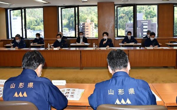 休業要請解除など経済活動再開を決めた山形県の危機対策本部会議(8日、県庁)