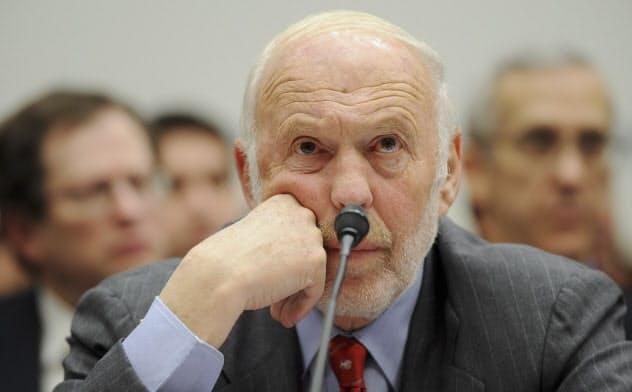 ルネサンス・テクノロジーズの創業者、ジム・シモンズ氏(2008年11月)=ロイター