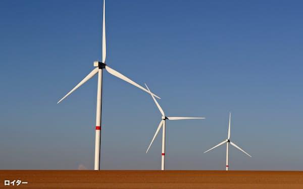 脱炭素への取り組みは企業の成長の機会にもなるため銀行が融資を増やしている=ロイター