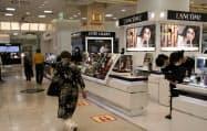 全館での営業を再開した天満屋岡山本店(11日、岡山市)