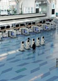 閑散とする羽田空港の第3ターミナル(2日)