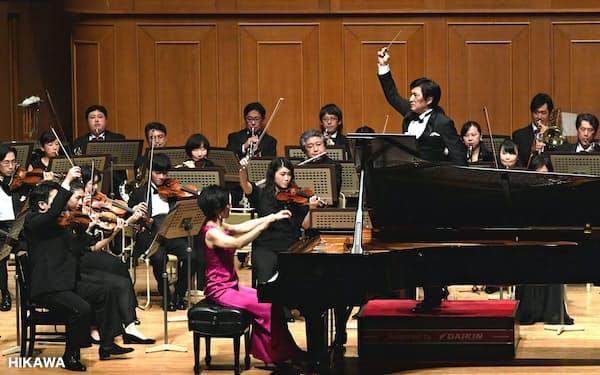林そよかの新曲を熱演する関西フィル(2月、大阪市のいずみホール (C)HIKAWA)