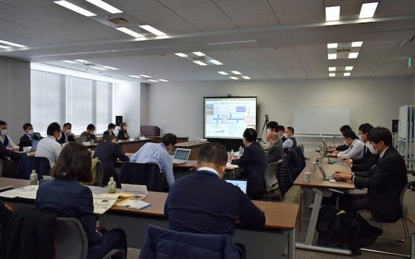 防災ISO創設の活動は東北大など東日本大震災の被災地から始まった(2月に都内で開かれた準備委員会)