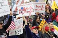 経済活動の再開を求めるウィスコンシン州民=ロイター