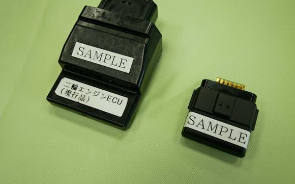 住友ベークの樹脂を使った車向け部品(右)は従来品より小型になる