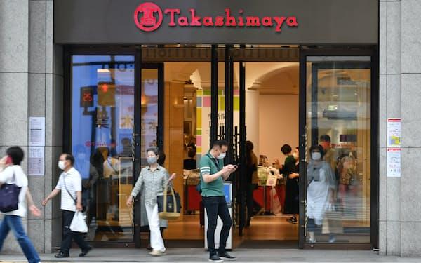 衣料品売り場などの営業を再開した高島屋大阪店(18日、大阪市中央区)