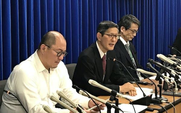 専門家会議後の会見(3月19日、厚労省)