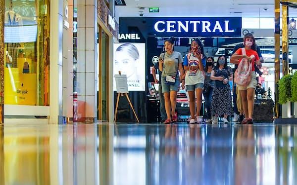 営業再開したバンコクの大型商業施設「セントラル・ワールド」(17日)=小高顕撮影
