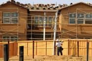 新型コロナの影響で米住宅着工件数は5年ぶりの低水準に落ち込んだ=ロイター