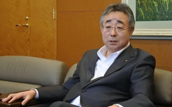 第一交通産業の田中亮一郎社長は家賃の減額について「なにもしないでテナントの信頼を失うのが怖い」と話す(北九州市)