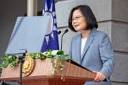 トランプ米政権は台湾への武器売却を決めた(写真は蔡英文総統、20日)=AP