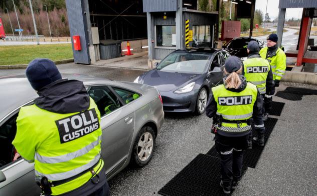 ノルウェーなど北欧の隣接国はスウェーデンとの渡航制限緩和に慎重だ=ロイター