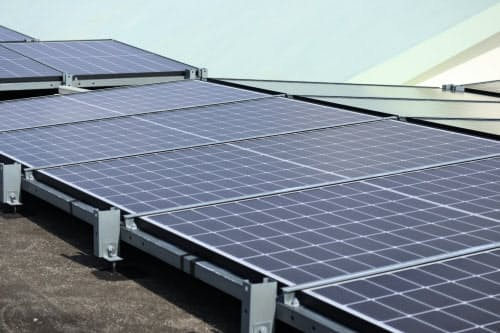 VPPは各地の太陽光や蓄電池などを一括制御する仕組みだ