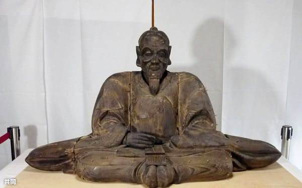 大宮神社で見つかった等身大の豊臣秀吉坐像(大阪市)=共同