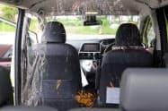 ビニールシートで遮り、エアコンの風量を強めて車両前部の圧力を上げる