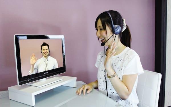 外出自粛による自宅での時間を、語学習得にあてようと考える消費者が増えている(写真はイメージ)